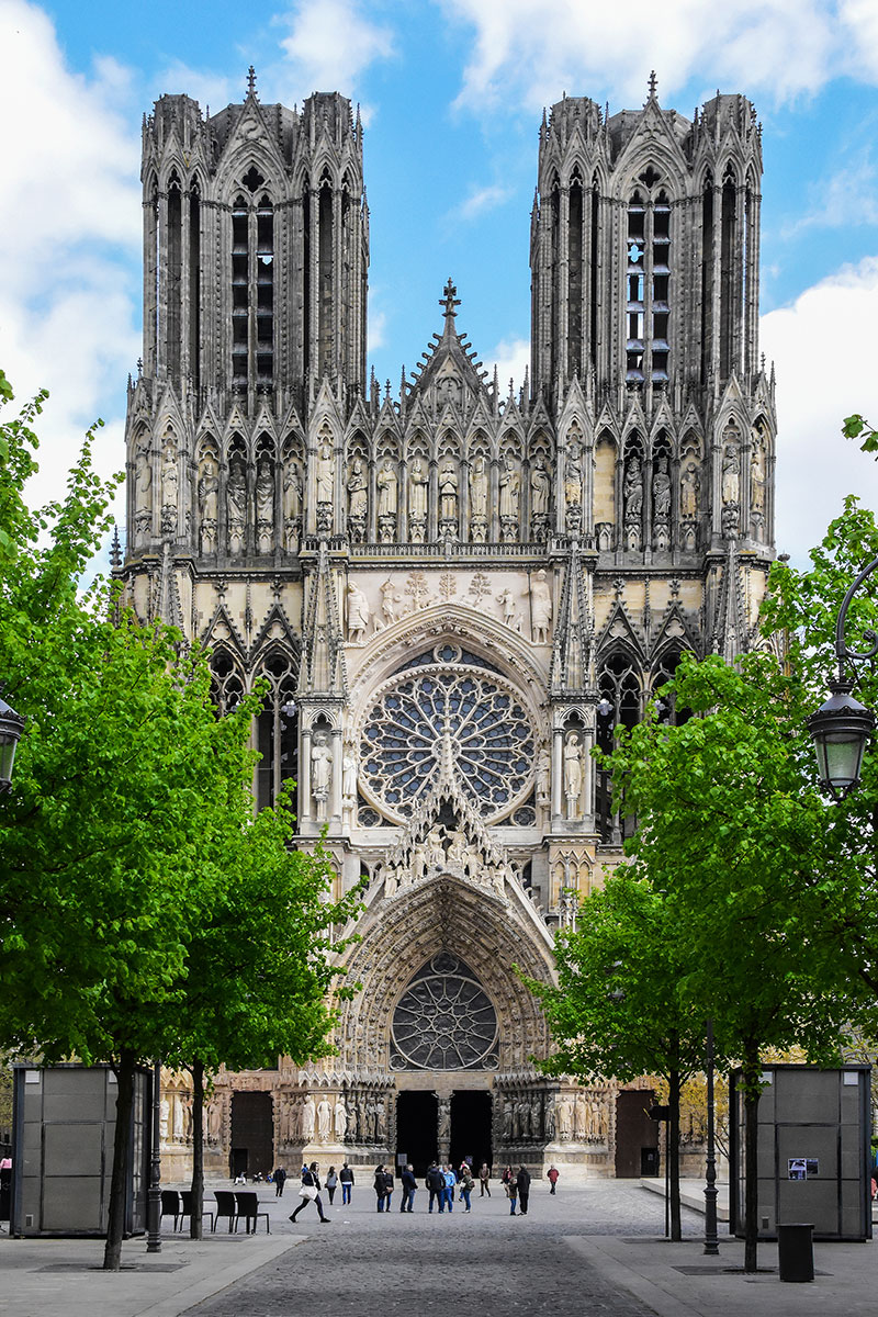 10 Kitchen And Home Decor Items Every 20 Something Needs: Awe-chitecture And Ornamentation Of Gothic Cathedrals