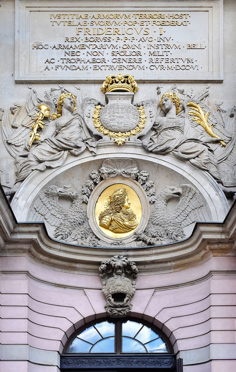 Sah Study Tour Blog Detail For Homes Electricidad Pinterest Home Repair Symbols And House 51 A Dash Of Gold On Sandstone Building Berlin
