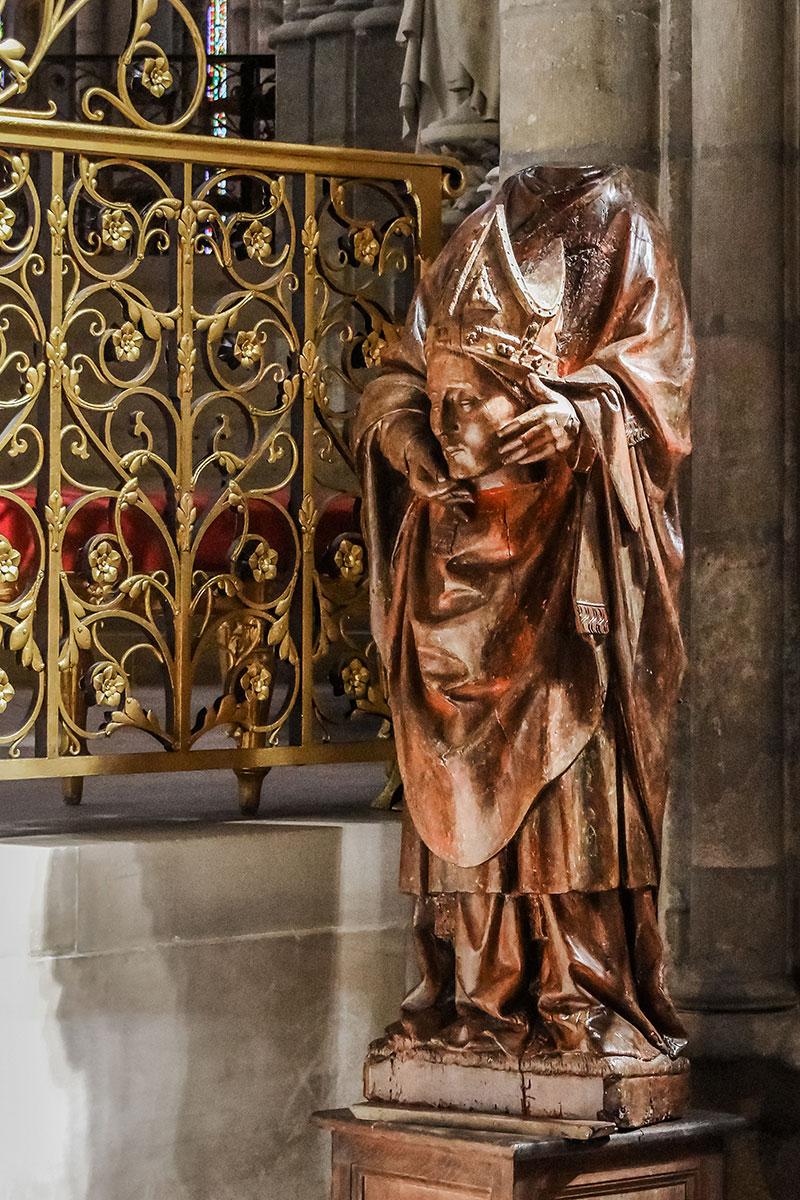 Saint Denis Gard: Saint Denis: The Bishop, The Basilica, The Builder