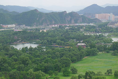 View of Bishu shanzhuang from Beizhen shuangfeng